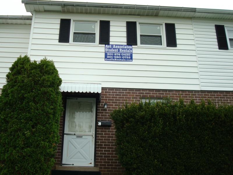 110 South Broadway - College Gardens Townhome C